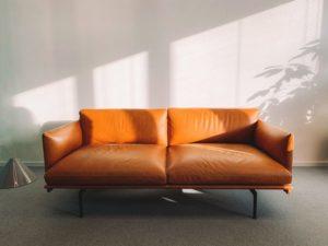 color y tapizado de un sofa